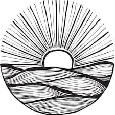 Lost Caparica Surf House User Profile
