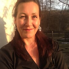 Susanne es el anfitrión.