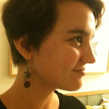 Laura Rose User Profile