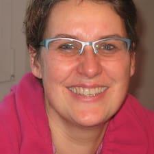 โพรไฟล์ผู้ใช้ Anne Cecile