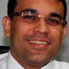 โพรไฟล์ผู้ใช้ Alexandre De Castro