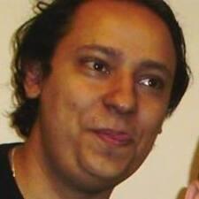 โพรไฟล์ผู้ใช้ Adel