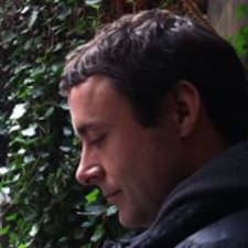 Chris felhasználói profilja