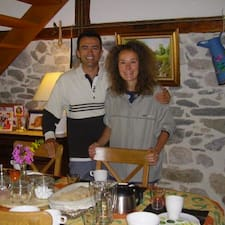 José Et Agnès est l'hôte.
