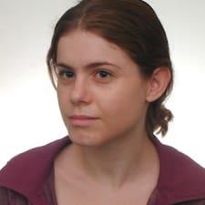 Agnieszka es el anfitrión.