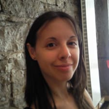 Christina的用户个人资料