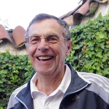 Julio Alberto je domaćin.