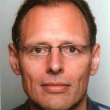 Profil Pengguna Manfred