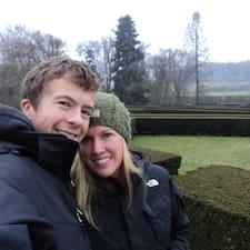 Josh And Jennie - Uživatelský profil