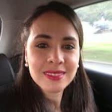 Lina María is een SuperHost.