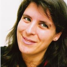 โพรไฟล์ผู้ใช้ Marie-Clémentine
