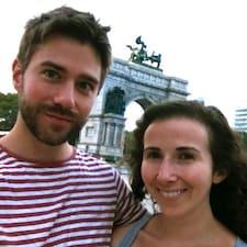 โพรไฟล์ผู้ใช้ Matt & Emily