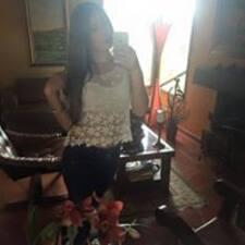 Daniela Suarez je domaćin.