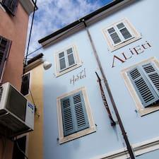 Alieti is the host.