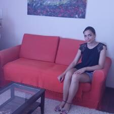 Ivana es el anfitrión.
