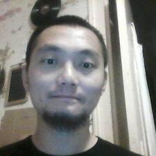 โพรไฟล์ผู้ใช้ Zhi Mael