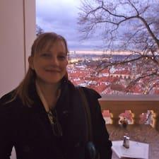 Carolyn felhasználói profilja