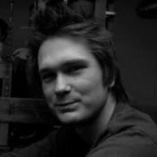 Szymon felhasználói profilja
