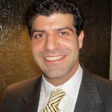 Masoud es el anfitrión.