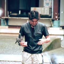 Takeshi es el anfitrión.