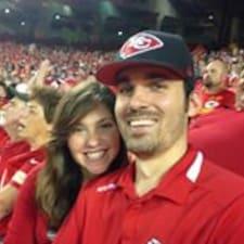 โพรไฟล์ผู้ใช้ Cody & Carolyn