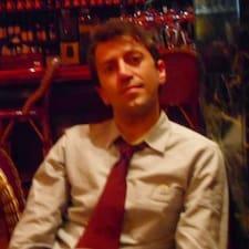 Roberto ist der Gastgeber.