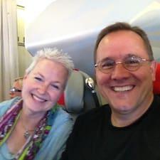 Tim & Sandra es el anfitrión.