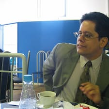Jorge ist der Gastgeber.
