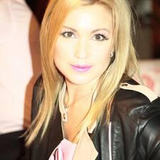 Ольга è l'host.