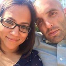 Douglas & Delia Kullanıcı Profili