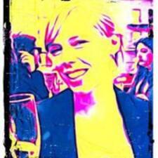 Sanne Simone User Profile