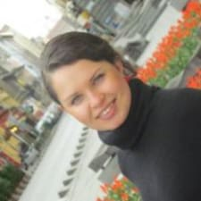 Ksenia es el anfitrión.