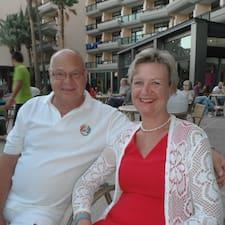 โพรไฟล์ผู้ใช้ Joe & Christine & Laura