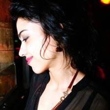 โพรไฟล์ผู้ใช้ María Claudia