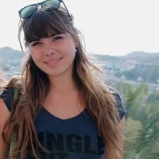 Camille felhasználói profilja