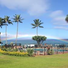 Polynesian est l'hôte.