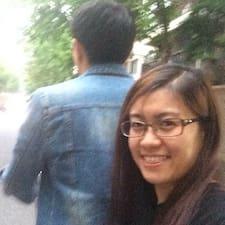 王 je domaćin.
