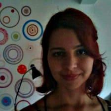 Nathália User Profile