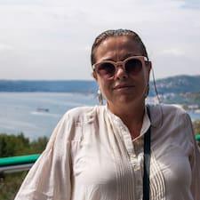 Maria Jose is a superhost.