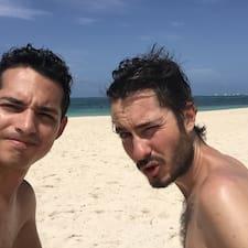 Ricardo & Àlex je domaćin.
