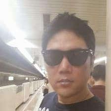 โพรไฟล์ผู้ใช้ Jong Ho