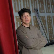 Henkilön Pierre käyttäjäprofiili