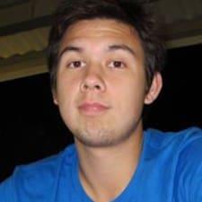 Aaron felhasználói profilja