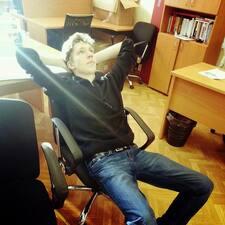Iaroslav的用户个人资料