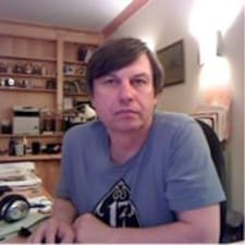 Dmitry je domaćin.