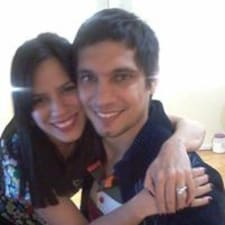 Ana Camila ist der Gastgeber.