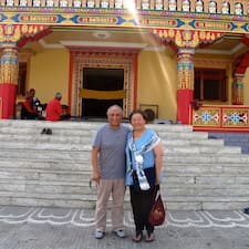 Terrace Nepal è l'host.