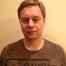 Алексей est l'hôte.