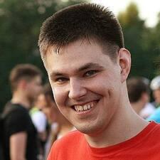 Andrey es el anfitrión.