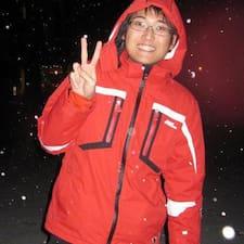 โพรไฟล์ผู้ใช้ Yong Jiun